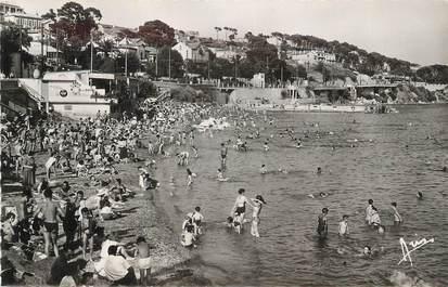 """CPSM FRANCE 83 """"Toulon, Le Mourillon, la plage""""."""