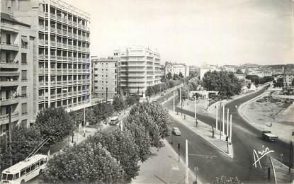 """CPSM FRANCE 83 """"Toulon, Avenue Maréchal Foch""""."""