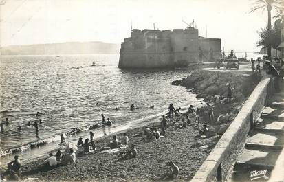 "CPSM FRANCE 83 ""Toulon Mourillon, La plage et le Fort St Louis""."