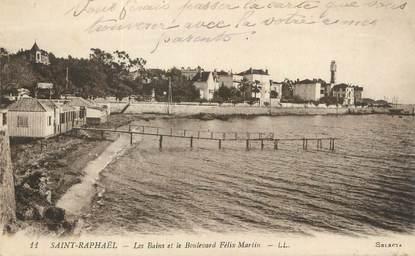 """CPA FRANCE 83 """" St Raphaël, Les bains et le Boulevard Félix Martin""""."""