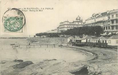 "CPA FRANCE 83 "" St Raphaël, La plage ""."