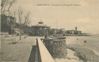 """CPA FRANCE 83 """" St Raphaël, Promenade et le kiosque de la musique""""."""