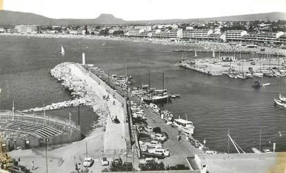 """CPSM FRANCE 83 """" St Raphaël, Le port et Fréjus plage""""."""