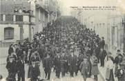"""16 Charente CPA FRANCE 16 """" Cognac, Manifestation du 02 avril 1911, le défilé rue de Metz""""."""