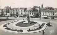 """16 Charente CPSM FRANCE 16 """" Cognac, La place François 1er""""."""