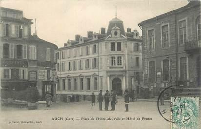 """CPA FRANCE 32 """" Auch, Place de l'Hôtel de Ville et Hôtel de France""""."""