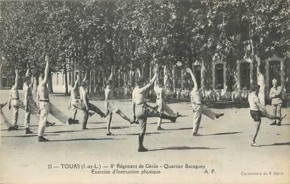 """CPA FRANCE 37 """" Tours, 8ème régiment de génie quartier Baraguey, exercice d'instruction physique""""."""