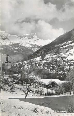"""CPSM FRANCE 74 """"St Gervais les Bains, Vue générale et le téléphérique""""."""