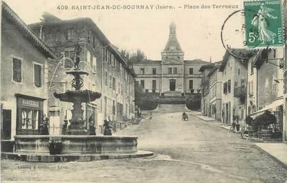 """CPA FRANCE 38 """" St Jean de Bournay, Place des Terreaux""""."""