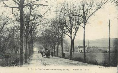 "CPA FRANCE 38 "" St Jean de Bournay, L'Avenue de la Gare""."
