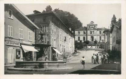 """CPSM FRANCE 38 """" St Jean de Bournay, Montée de l'Hôtel de Ville""""."""