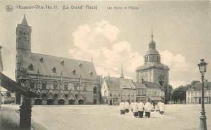 """CPA BELGIQUE """"Nieuport Ville, les Halles et l'Eglise"""""""