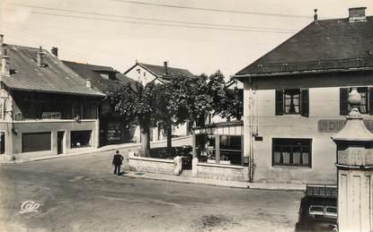 """CPSM FRANCE 50 """"Hauteville, Place de la Libération""""."""