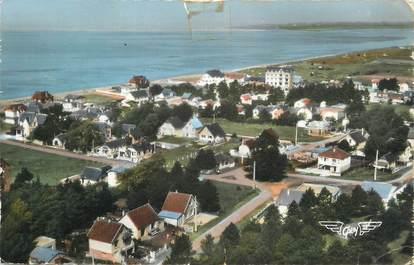 """CPSM FRANCE 50 """"Hauteville sur Mer, Les villas et la plage""""."""