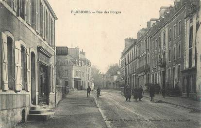 """CPA FRANCE 56 """" Ploermel, Rue des forges""""."""