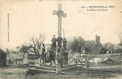 """CPA FRANCE 58 """"Dompierre sur Héry, La place et la croix""""."""