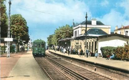 """CPSM FRANCE 78 """" Chatou, Intérieur de la gare""""."""