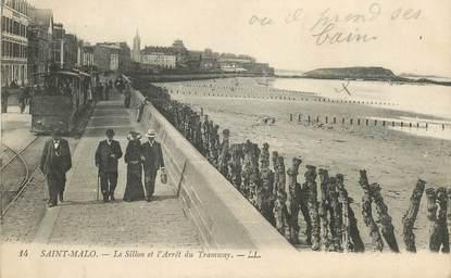 """CPA FRANCE 35 """"Saint Malo, le Sillon et arrêt du Tramway"""""""
