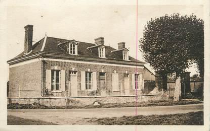 """CPA FRANCE 27 """" Le Tilleul Dame Agnès, L'école et la Mairie""""."""