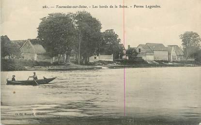 """CPA FRANCE 27 """" Tournedos sur Seine, Les bords de la Seine, Ferme Legendre""""."""