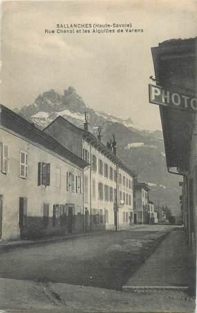 """CPA FRANCE 74 """" Sallanches, Rue Chenal et les Aiguilles de Varens""""."""