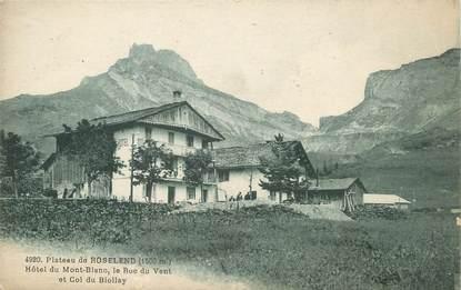 """CPA FRANCE 74 """"Le Plateau de Roselend, Hôtel du Mont Blanc""""."""