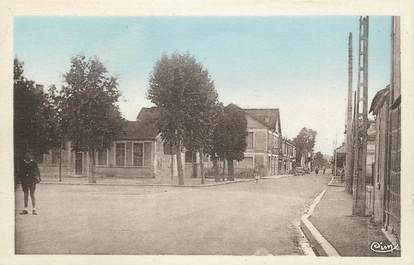 """CPA FRANCE 24 """" St Astier, Rue Jules Ferry""""."""