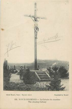 """CPA FRANCE 62 """"Noeux les Mines, Le calvaire du cimetière""""."""