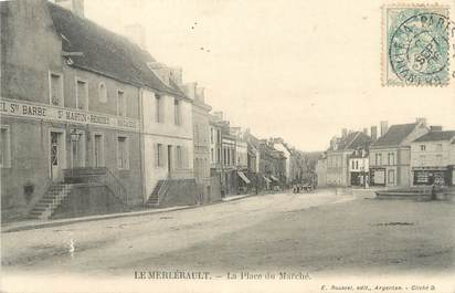 """CPA FRANCE 61 """" Le Merlérault, La place du marché""""."""