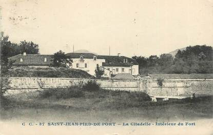 """CPA FRANCE 64 """"St Jean Pied de Port, La citadelle""""."""