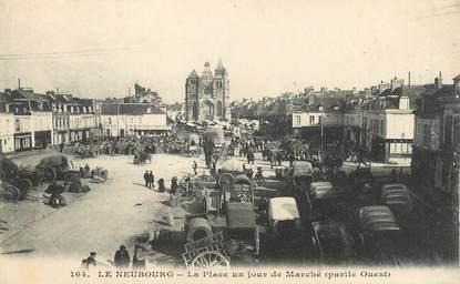 """CPA FRANCE 27 """" Le Neubourg, La place un jour de marché""""."""