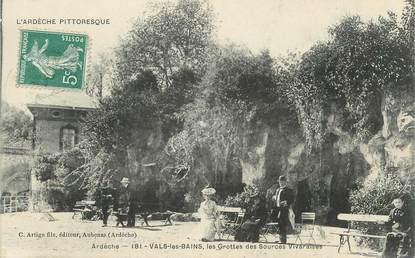 """CPA FRANCE 07 """"Vals les Bains, Les grottes et les sources Vivaraises""""."""