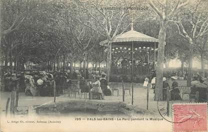"""CPA FRANCE 07 """"Vals les Bains, Le parc pendant la musique""""."""