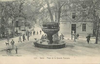 """CPA FRANCE 13 """"Salon, Place de la Grande Fontaine""""."""
