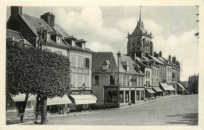 """CPSM FRANCE 76 """"Aumale, Place des marchés vers l'église""""."""