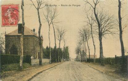 """CPA FRANCE 76 """"Buchy, Route de Forges""""."""