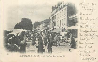 """CPA FRANCE 76 """" Caudebec en caux, Le quai un jour de marché""""."""