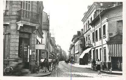 """CPSM FRANCE 76 """" Caudebec les Elbeuf, Rue de la République""""."""