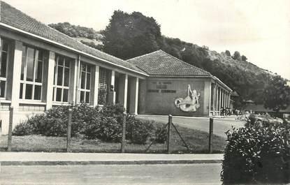 """CPSM FRANCE 76 """" Darnétal, Groupe scolaire Georges Clémenceau""""."""