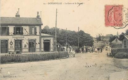 """CPA FRANCE 76 """" Doudeville, La gare et le bourg""""."""