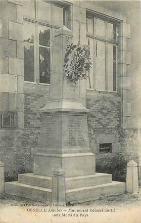 """CPA FRANCE 25 """"Osselle, Monument aux morts""""."""