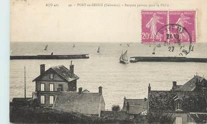 """CPA FRANCE 14 """" Port en Bessin, Barques partant pour la pêche""""."""