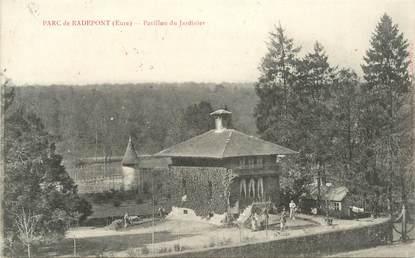 """CPA FRANCE 27 """"Radepont, Le parc, le Pavillon du jardinier""""."""