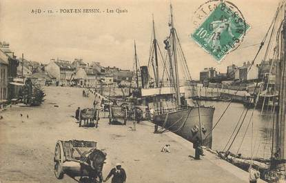 "CPA FRANCE 14 ""Port en Bessin, les Quais"""