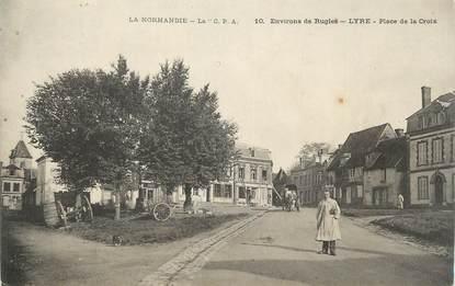 """CPA FRANCE 27 """"Lyre, Place de la Croix"""";"""