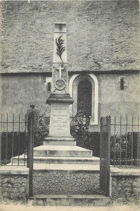 """CPA FRANCE 27 """"Romilly sur Andelle, Le monument aux morts""""."""