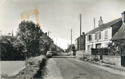 """CPSM FRANCE 14 """"Meulles, Route d'Orbec à Vimoutiers""""."""