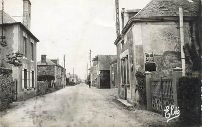 """CPSM FRANCE 14 """"St Paul du Vernay, Une rue du bourg""""."""