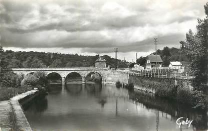 """CPSM FRANCE 14 """"Grimbosq, L'Orne et le Pont""""."""