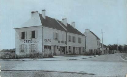 """CPSM FRANCE 14 """"St Manvieu, La place du quartier""""."""